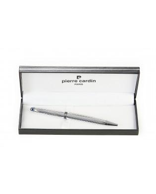 Penna con apertura a scatto...